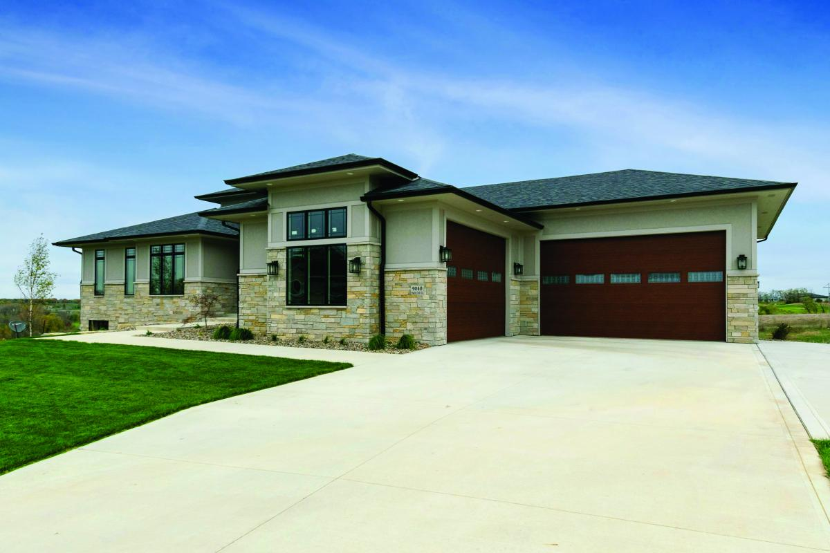 Front view of Praire Style home in Norwalk Iowa